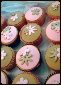 Betty_s_cupcakes_may_07_9_-258x359.jpg