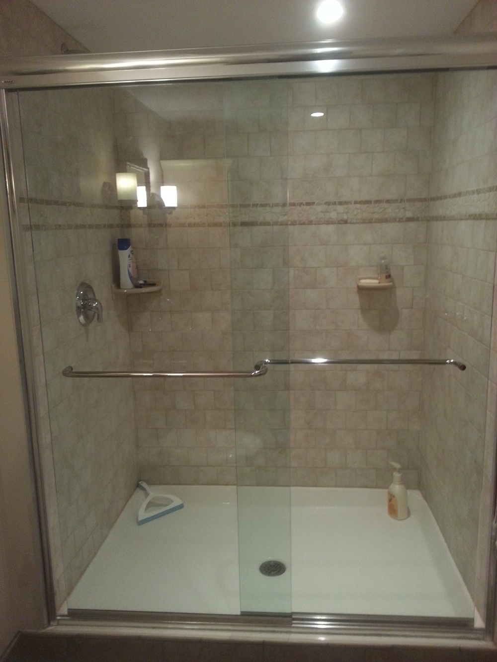 Blakey shower/tub: