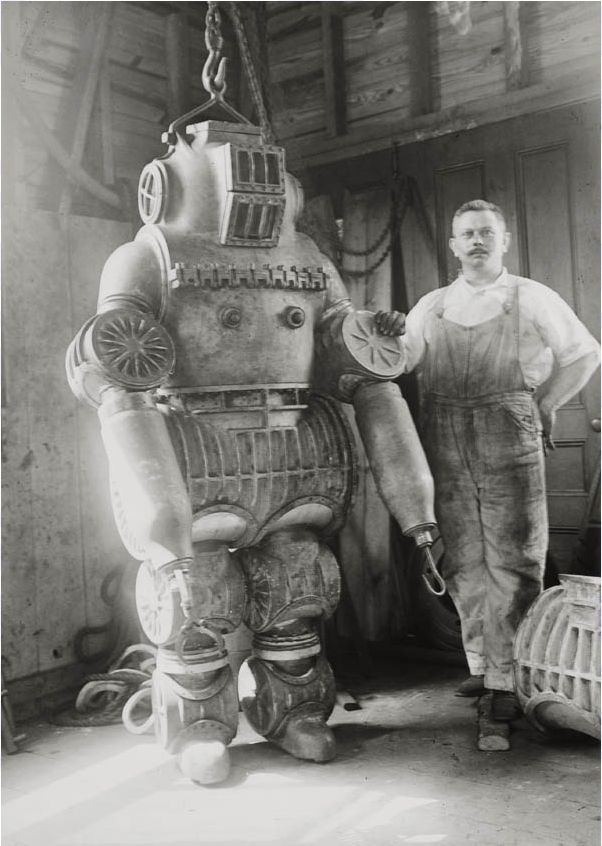Macduffee with hist suit in 1914