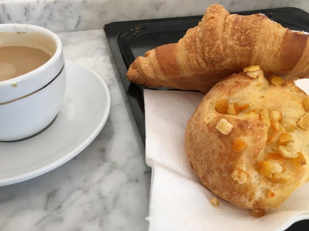 Eric Kayser Patisserie / Cafe au Lait, Croissant, Brioche (Orange) :-)