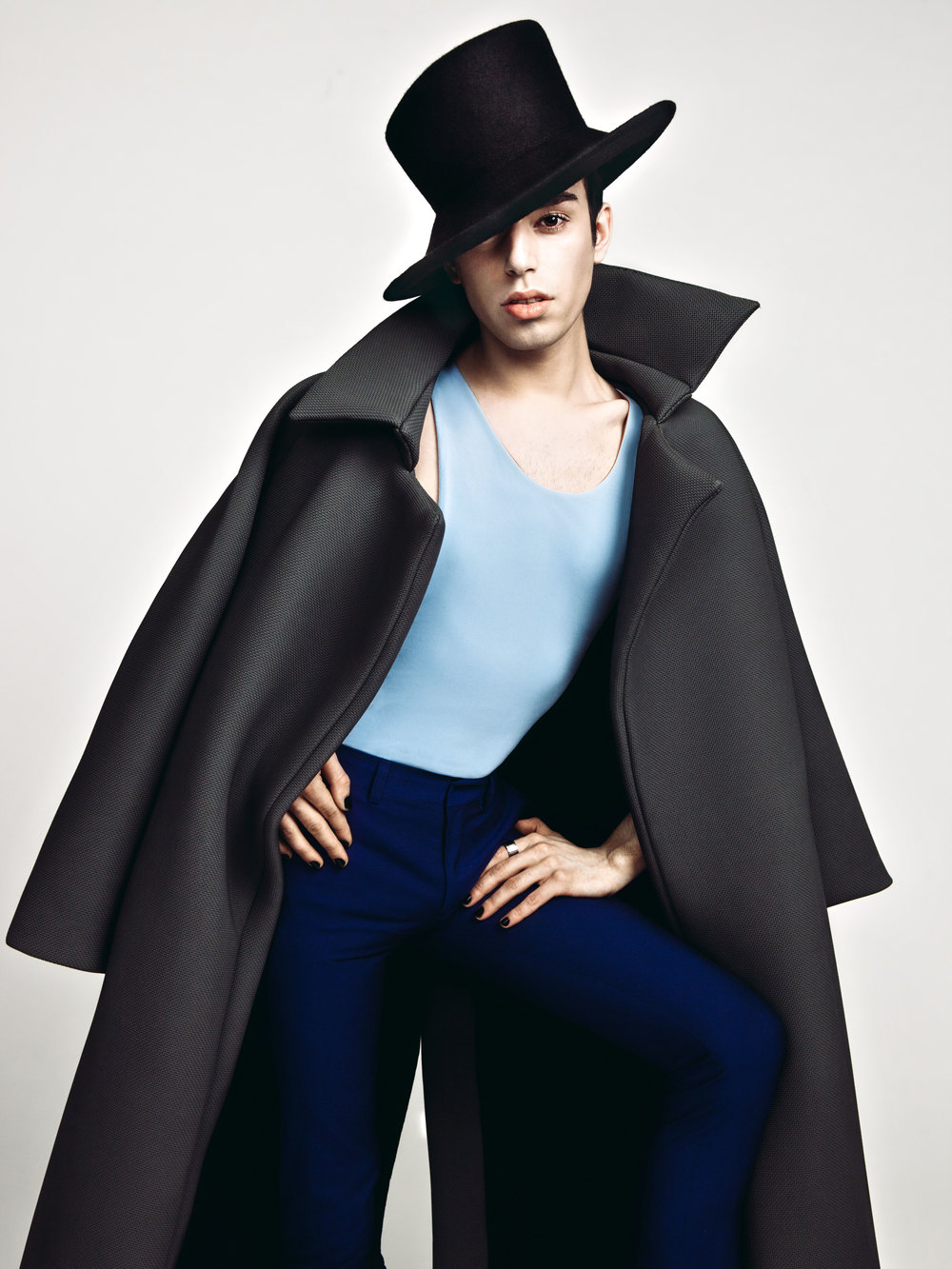 Photo :PAYAM  Jacket: LANDEROS  Shirt:Harbison  Hat:Dolly Donshey