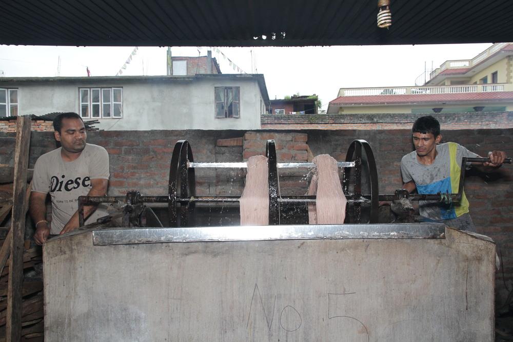5a. Washing the Wool.JPG