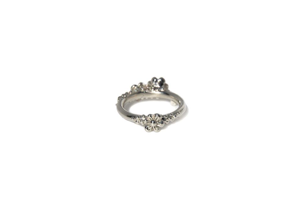 sapphire flower platinum ring back.jpg