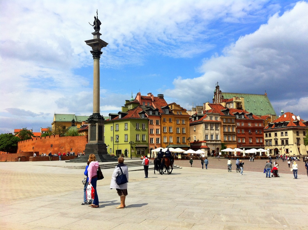 Run-exploring Warsaw's Castle Square in the summer of 2013.