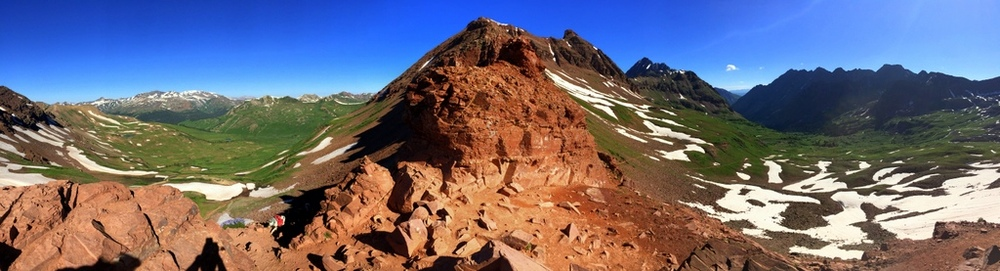 8:50 a.m. Panoramic view from West Maroon Pass--stunning colors.