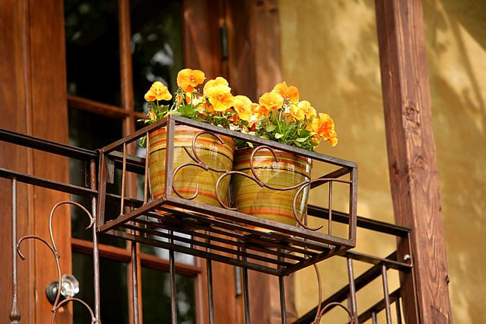 011 Balcony Planter CU.jpg