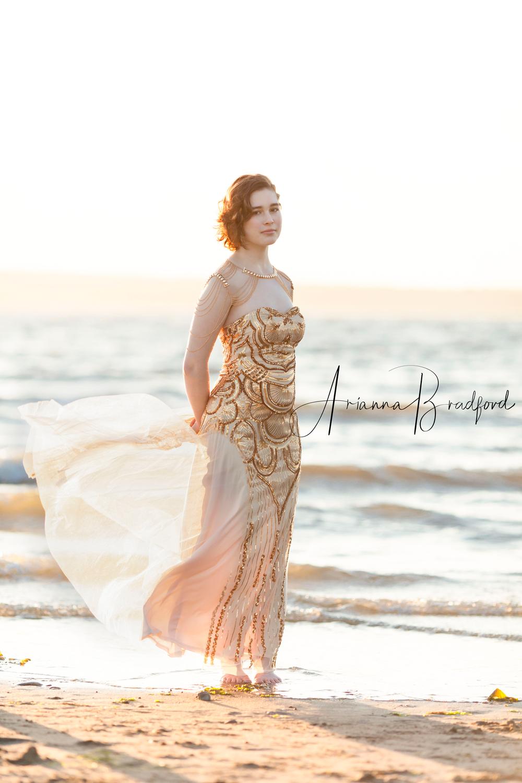 senior-portrait-beach