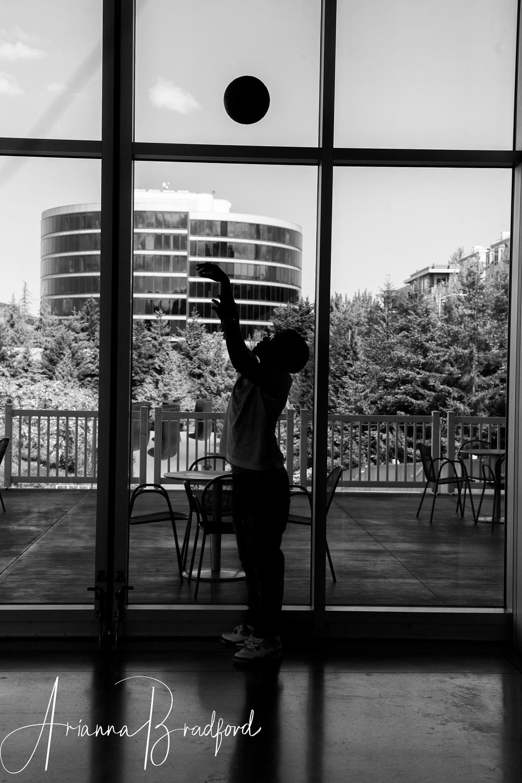 senior-portrait-basketball-silhouette