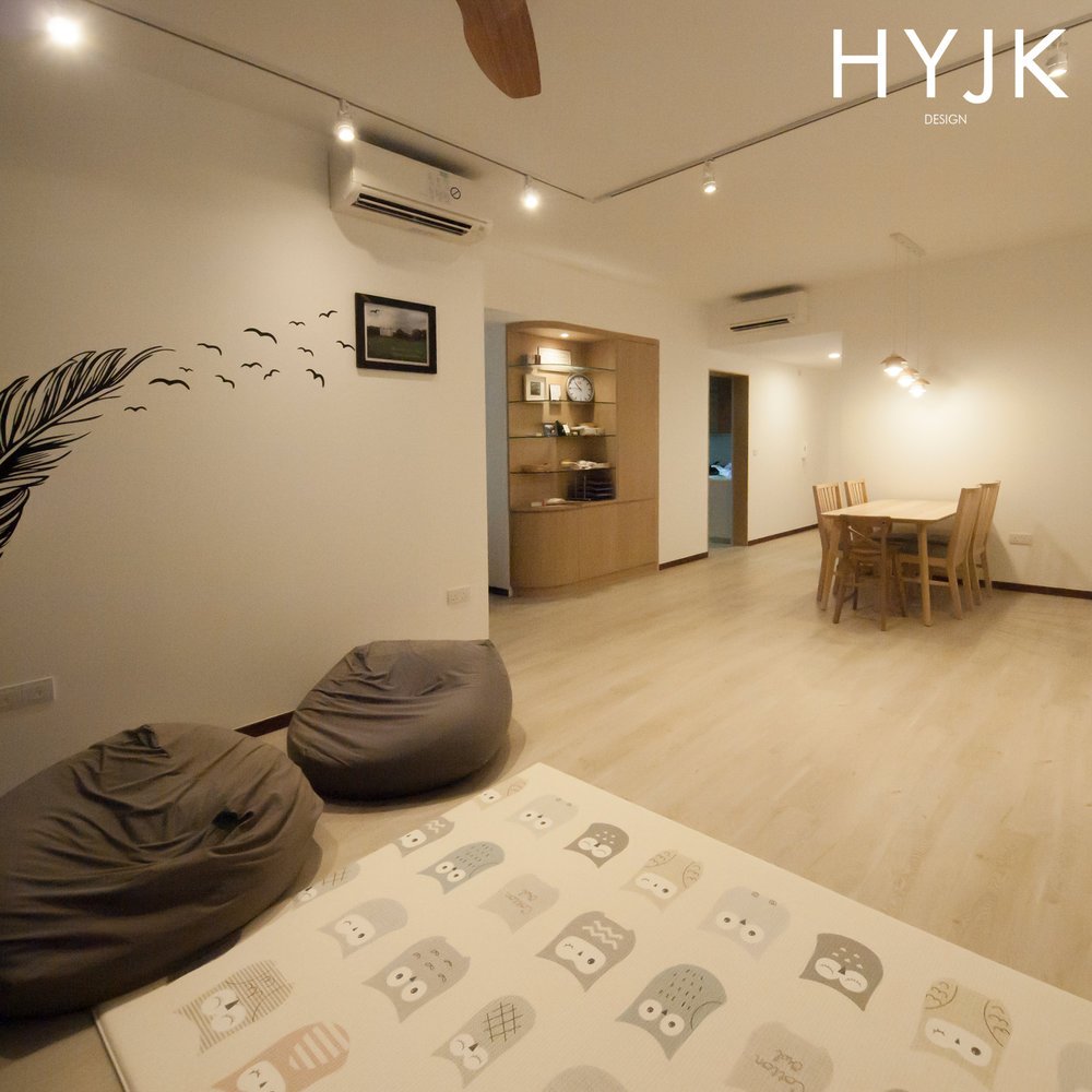 Spacious yet cozy living space for kids to play.