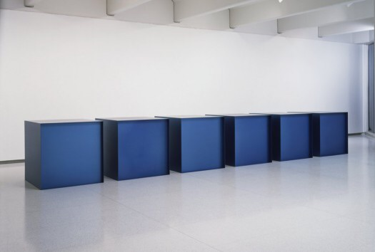 Untitled, by Donald Judd (1971). Material: Anodized aluminum. Size: 6 boxes of 48 x 48 x 48 inches each. Collection: Walker Art Center.