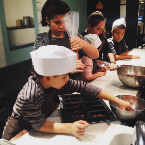 018 les ateliers de cuisine pour nos petits chefs en herbe ... - Cours De Cuisine En Famille