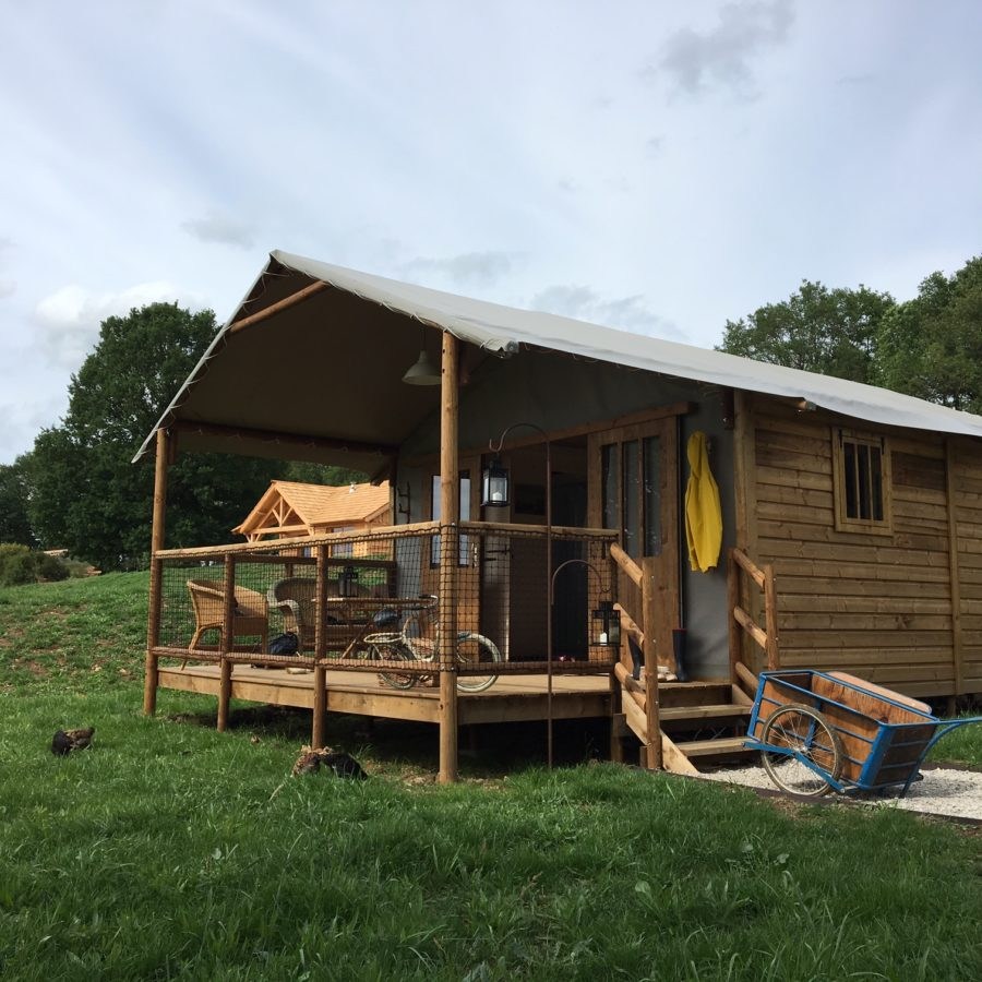 Country-Lodge-habité-cabane-nature-900x900.jpg
