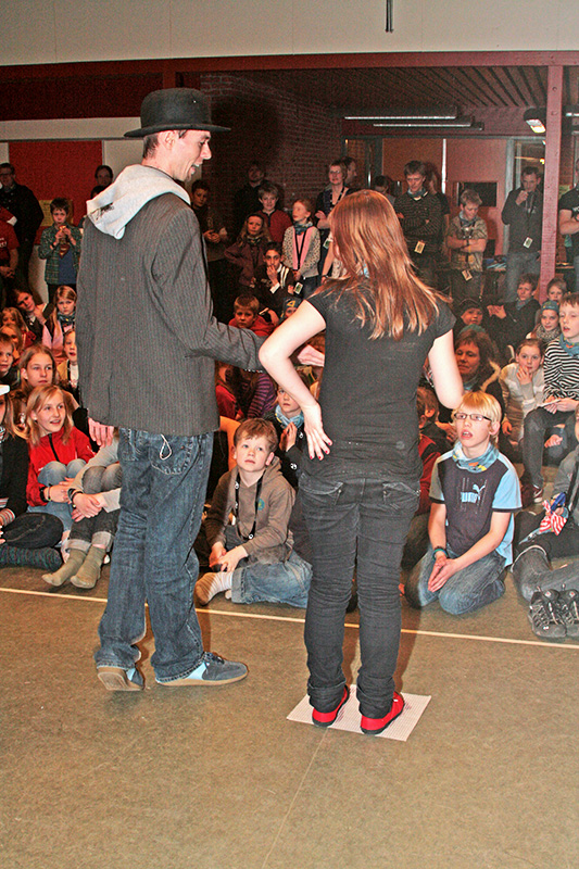 rasmus-og-pige-og-publikum1.jpg