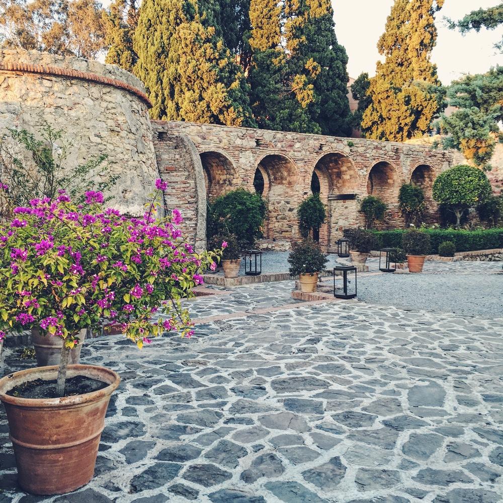 Castello De Santa Gardens & ancient ruins