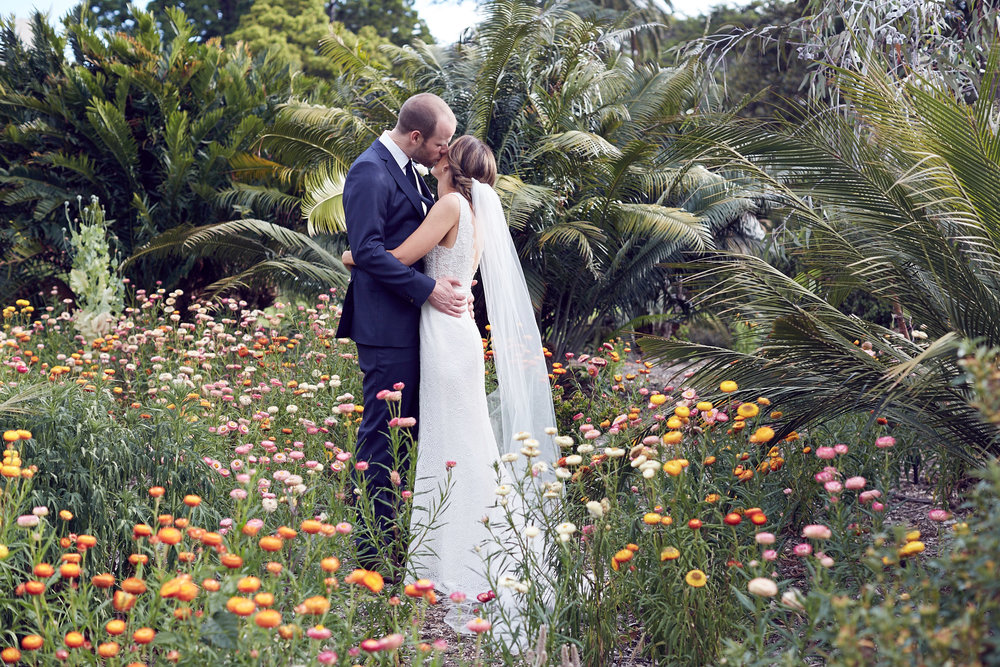 Botanic garden melbourne wedding by Lost In Love Photography