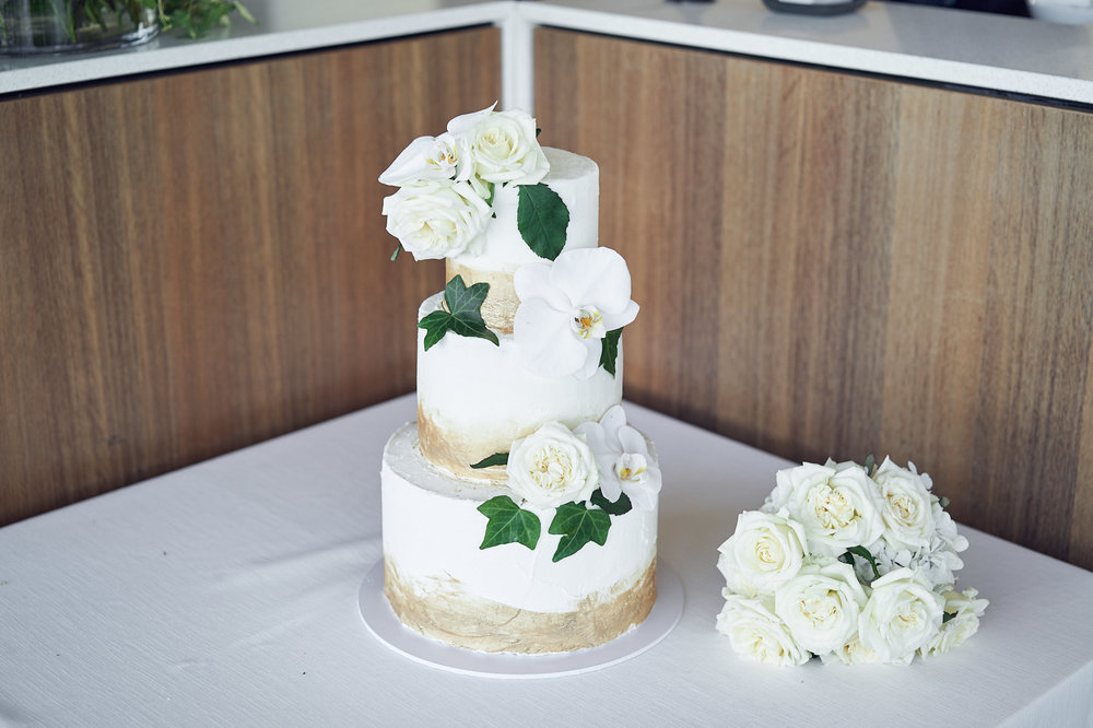 white wedding cake Yering Station by lost in love photography