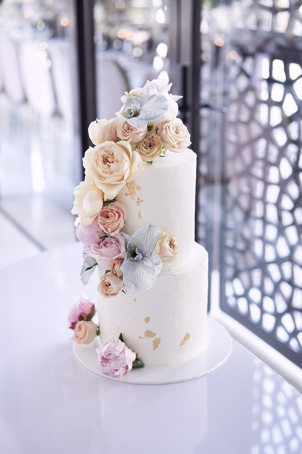 wedding cake inspiration. Photo by Lost In Love Photography