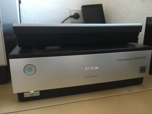 Epson V700