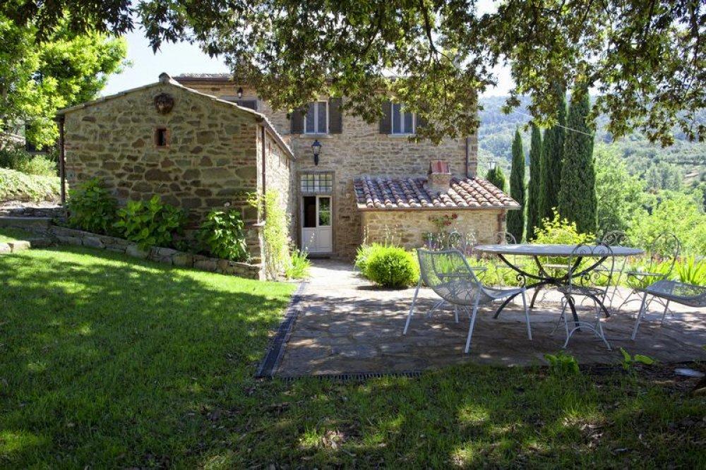 cortona-villa-terrace.jpg
