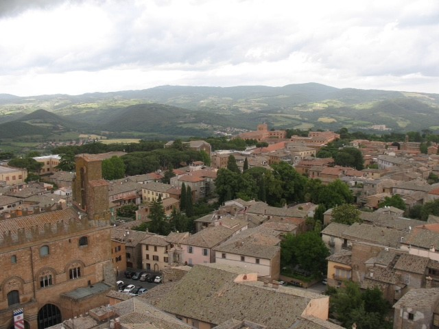 cortona-rooves-and-hills.jpg
