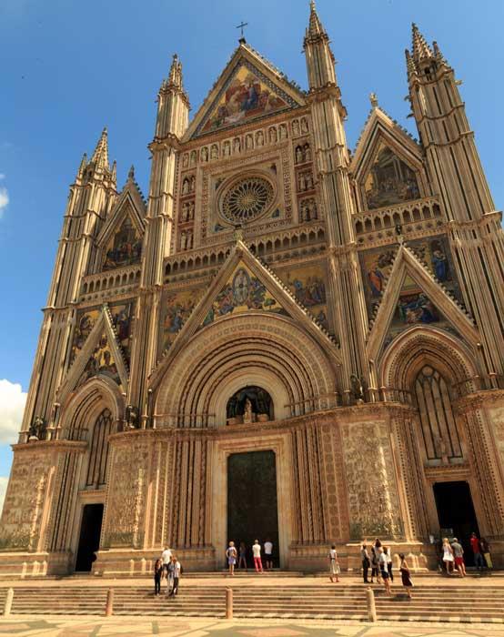 Orvieto-cathedral-tuscany.jpg