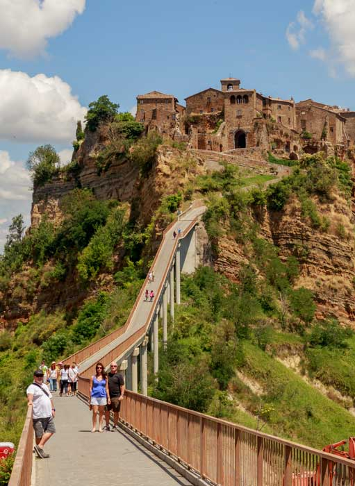 bridge-to-civita-di-bagnoregio-tuscany.jpg