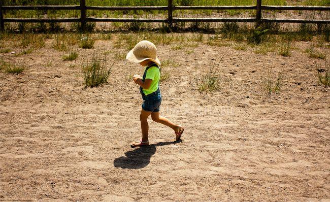 Child on toronto beach