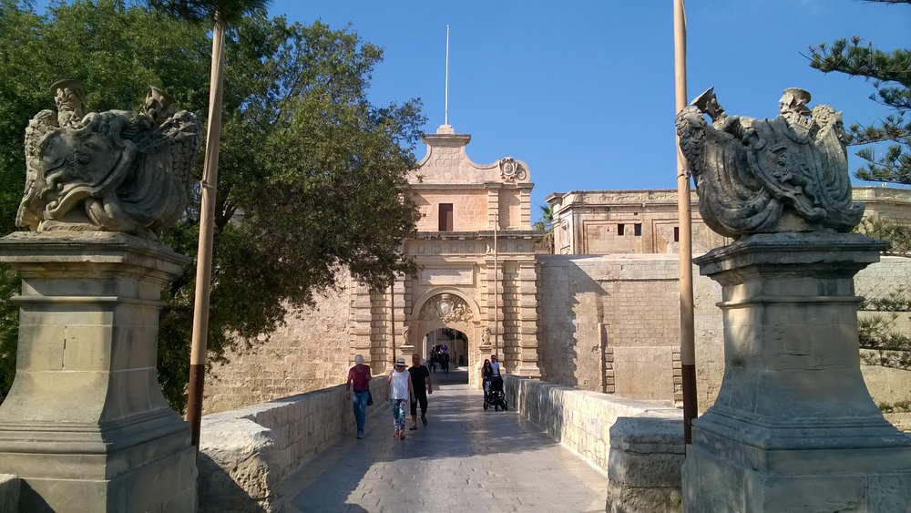 The main gate of Mdina and King's Landing
