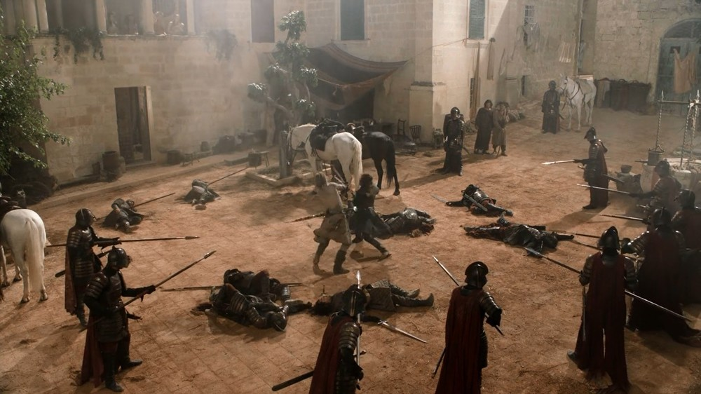 One of the most discussed questions of season 1. If not interrupted who would have won the fight? Ned or Jaime? What do you think?