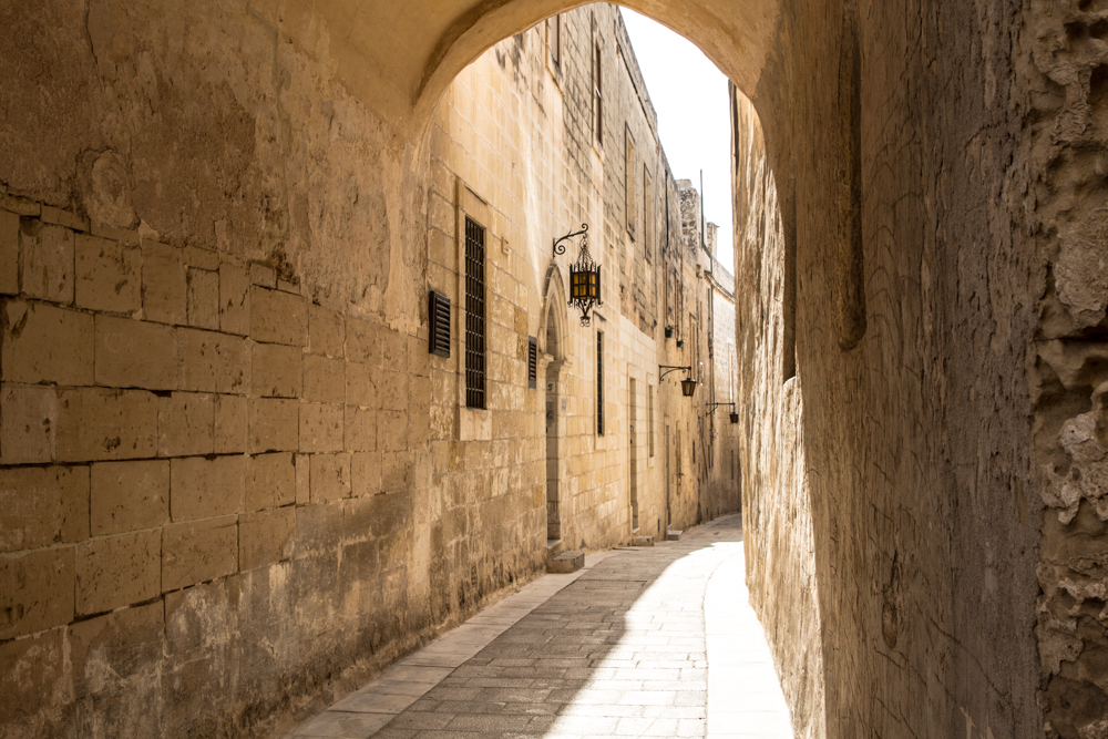 If you're looking for an awesome medieval atmoshpere Mdina is your place.