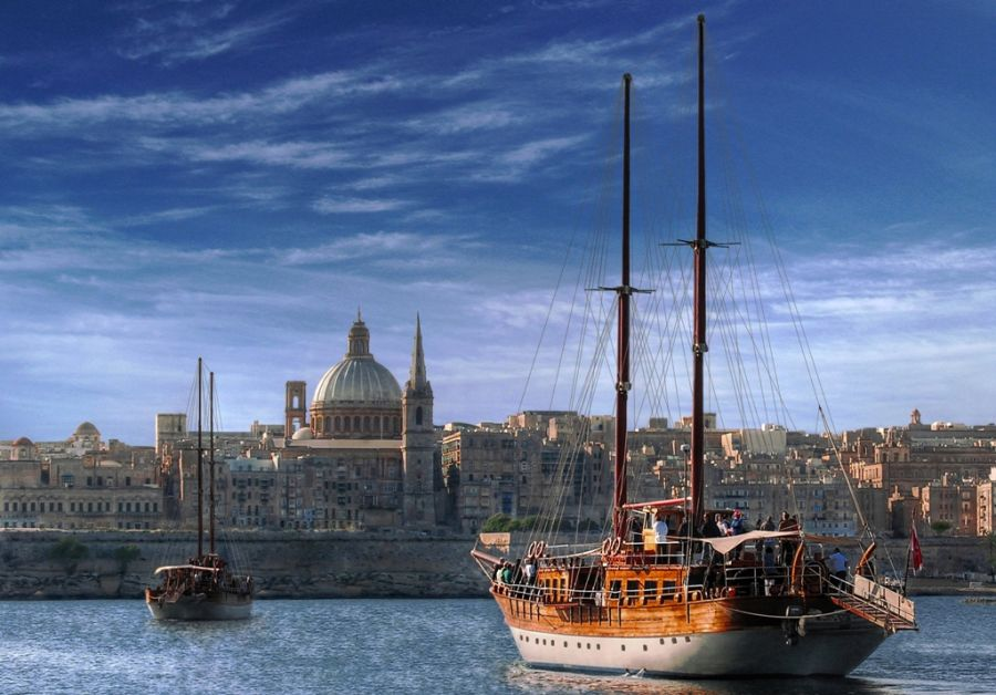 Sailing to Valletta_web.jpg