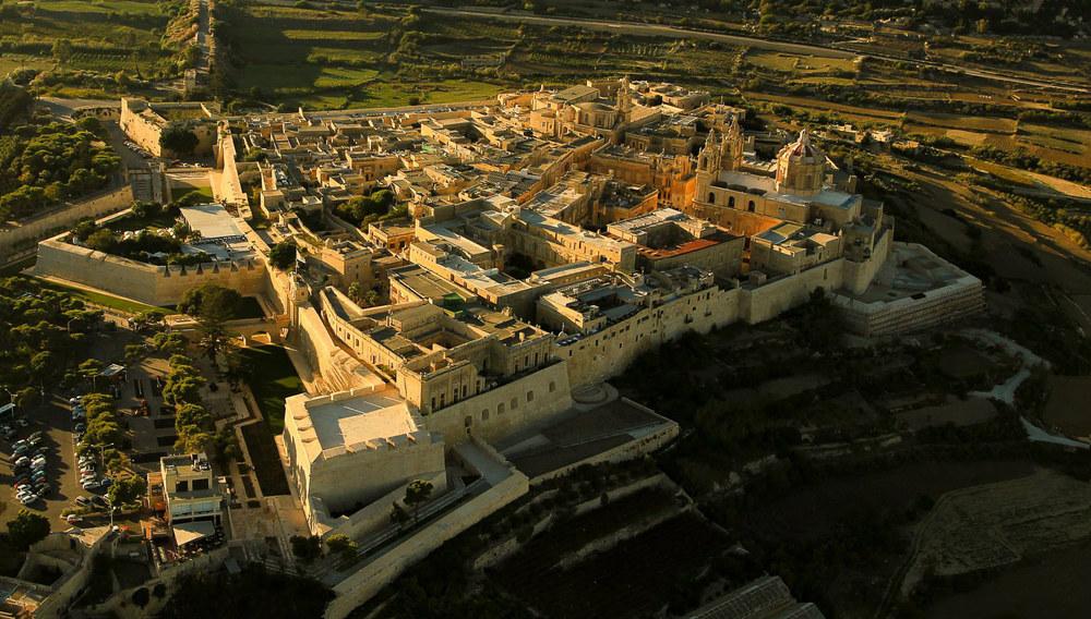 Aerial_view_Mdina,_Malta.jpg