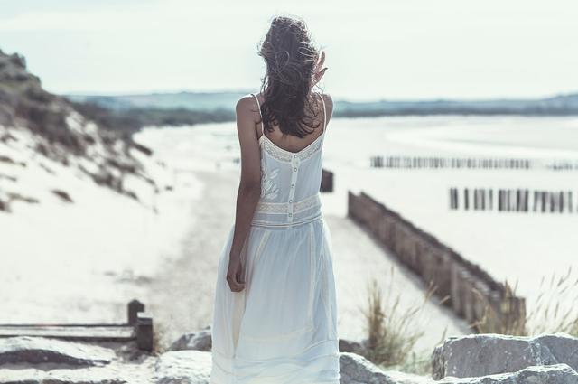 Laure de Sagazan - blog Le Petit Florilège - Laurent nivalle Robe de mariée