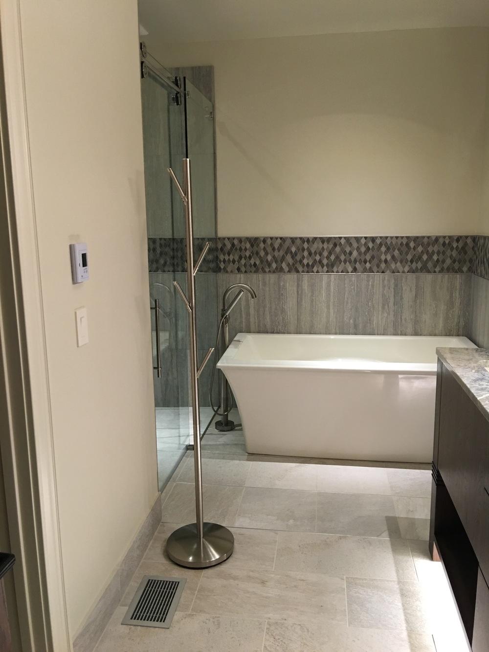 Bath4_0975.jpg