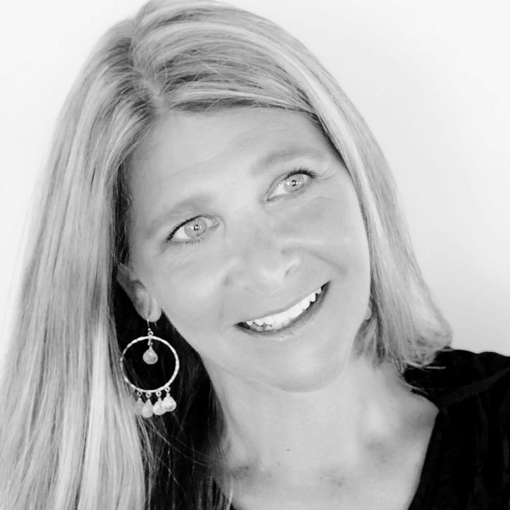 Melissa Gibson Headshot .jpg