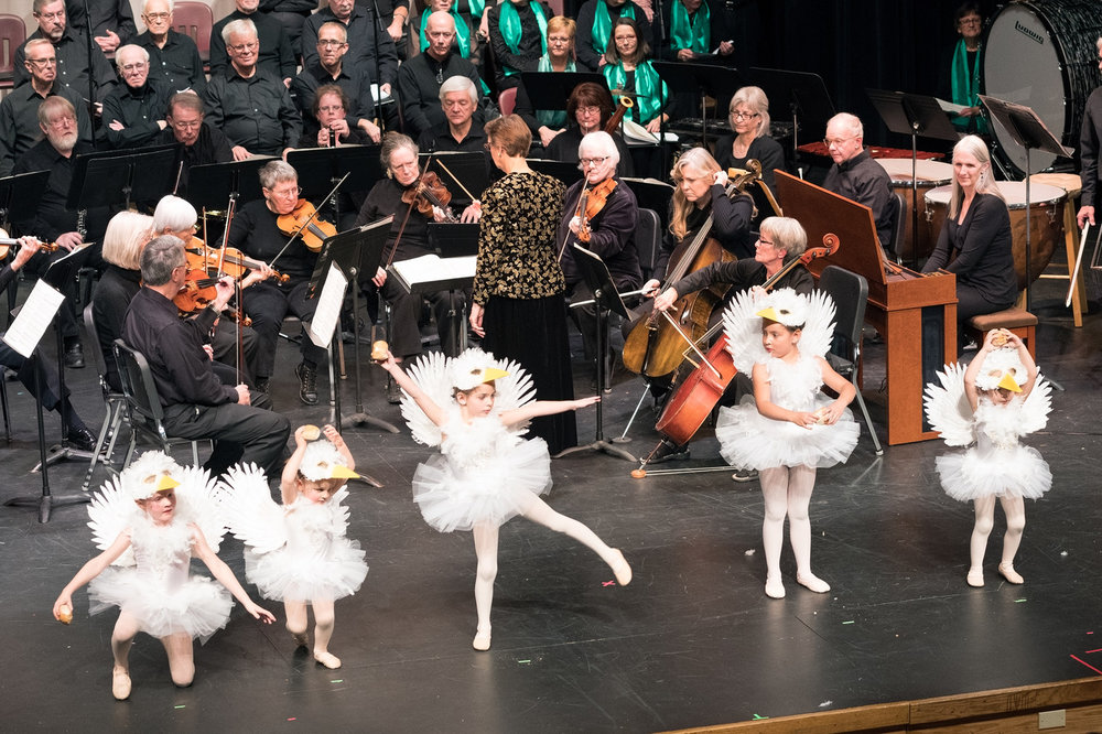 Orchestral and choral music, dance, and community all come together during a 2016 holiday performance of the Oratorio Society and Ballet Renaissance on the cramped stage of the Estes Park High School auditorium.