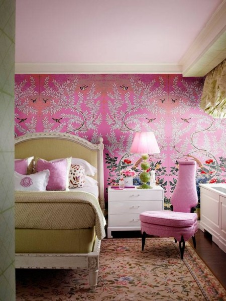 hot pink girls room.jpg