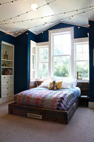 bedroom string lights.jpg
