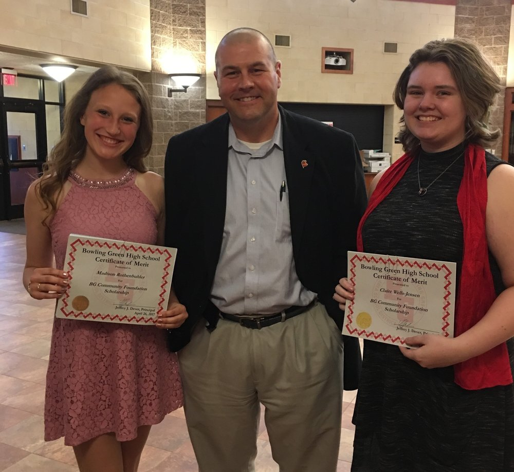 2017 President Cal Bowers had the honor on April 26th in presenting two $1,000 scholarships to two very talented young women from Bowling Green High School on behalf of the Bowling Green Community Foundation!   Madison Rothenbuhler and Claire Wells-Jensen both have a bright future!