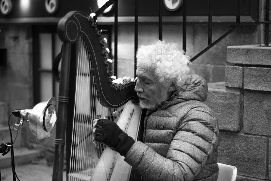 Harp player on the street in Quebec City.  Vincente Veras  picture.
