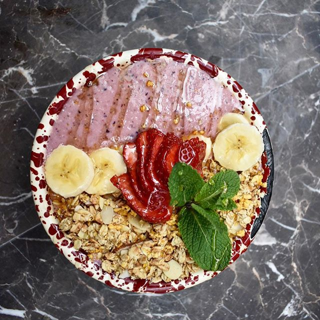 Weathers getting hot so keep your breakfast game ice motherfucking cold with our new 'berry my emotions' smoothie bowl ❄️. • • • #shake #smoothie #smoothiebowl #vegan #veggie #protein #almondmilk #breakfast #brunch #gym #glutenfree #dairyfree #healthy #tasty #fruit #spring #summer #cafe