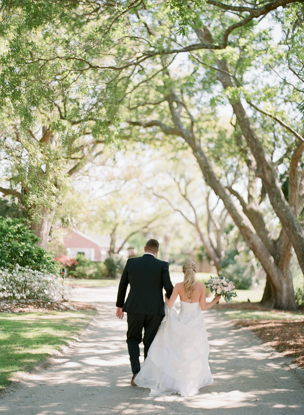 paraiso-event-design-morgan-danny-charleston-wedding-lowndes-grove-spring.jpg