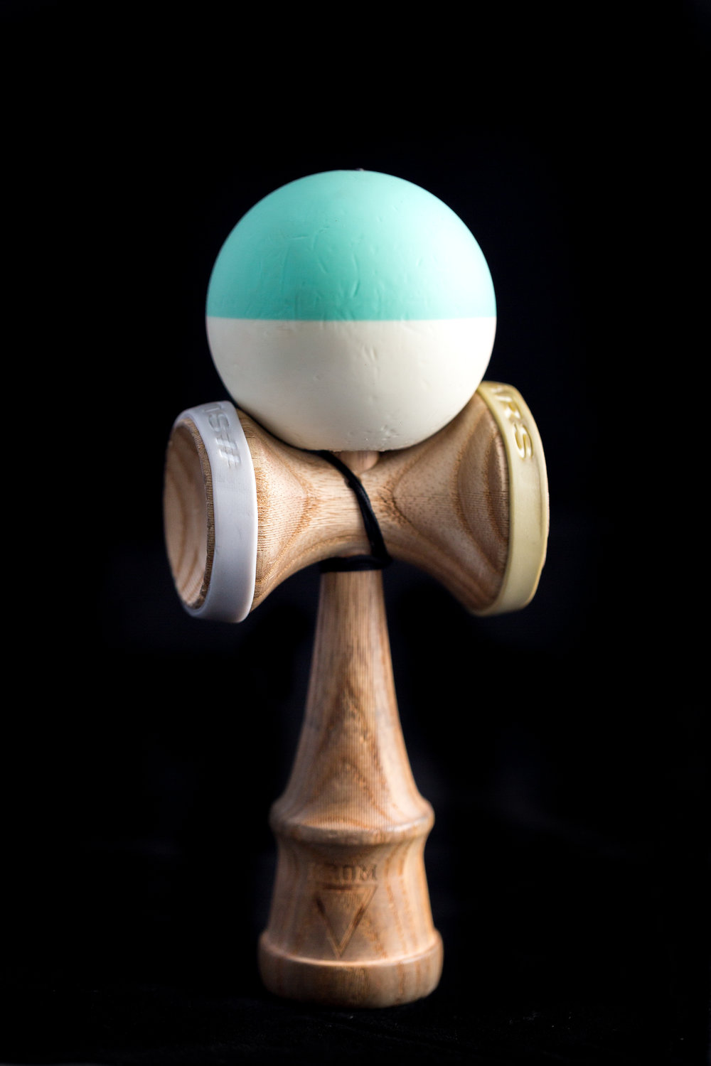 kendama-accessories-slaybands-v3-lunar-balance-21.jpg
