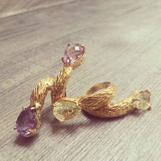 Chunky rings #amethyst #purpleamethyst #greenamethyst #chunkyrings #ezkarren #mexicanjewellery #jewelry #instajewelry #madeinmexico #goldplated #bigrings #rings