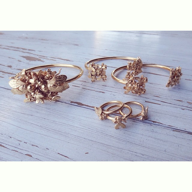 The gang 🐝🐜 #rings #bracelets #bees #flies #gold #bangs #cuff #insects #ezkarren #mexican #design #jewellery #jewelry #midrings #joyeria #madeinmexico