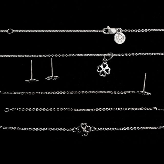 Trébol de corazones plateados By @alinebortolotidesign . . . #jewerly #jewels #fashion #accesories #love #style #lifestyle #fashionjewerly #alinebortoloti #luxury #jewelrydesign #loveit #cross #crossjewelry #pinkgold #letters #byalinebortoloti #meaningfuljewelry
