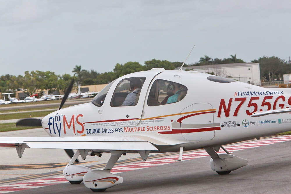 OUR AIRPLANE   Modern, fast Cirrus SR22