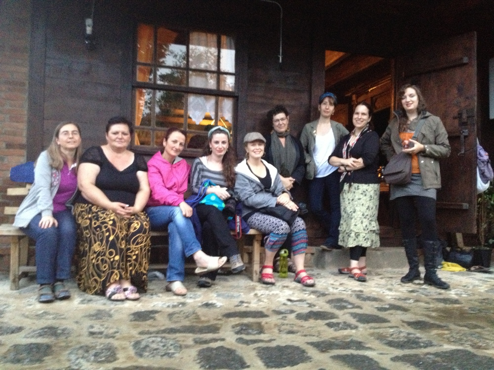 Lili Abdulişi, Güler Topaloğlu, members of Kitka Women's Vocal Ensemble and friends in Arhavi, Turkey 2013