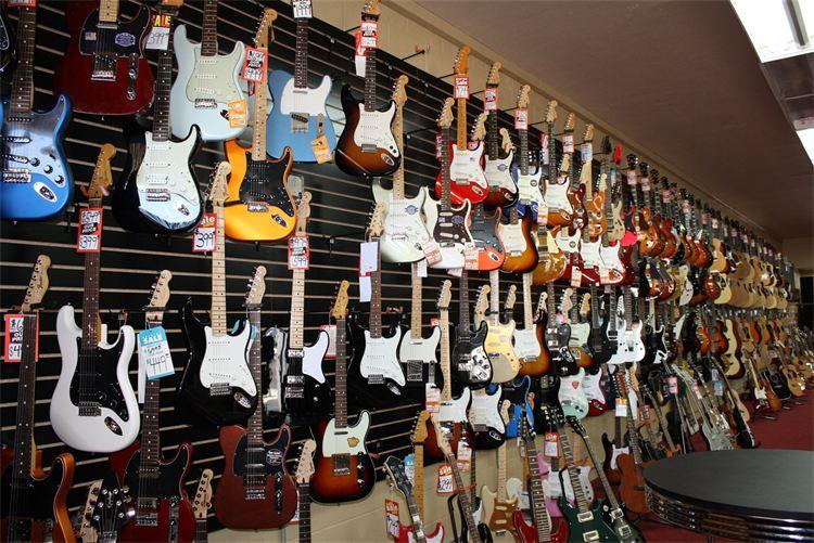 stor guitars.jpg