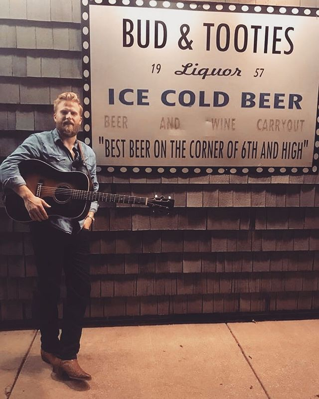 Good times in New Philadelphia, OH last night! Thank you to everyone who came out to @budandtooties57 for the music! Y'all made my day. Tonight I'm in Columbiana, OH at the one and only @birdfishbrew. Music starts at 8pm! #newphilly #columbiana #budandtooties #birdfishbrewingco #livemusic #martinguitar #singersongwriter #americana #countrymusic #folk #bluegrass #wvmusic #ohio